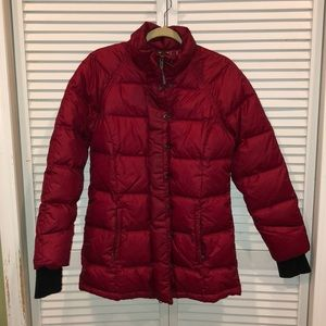 Athleta red ski down winter coat Quilted md